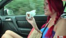 Lexy Roxx – Hamburger mit Sperma gegessen