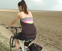 Young Devotion – Geile Fahrradttour