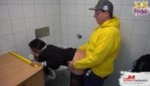 Queenparis – Sex auf der Toilette von IKEA