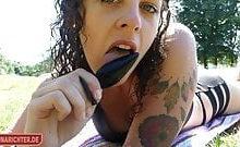 Luna-Richter – Im Freibad masturbiert