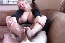 Fitness Maus – Nylon Footjob