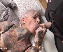 Cat Coxx – Romantischer Sex in Strapsen