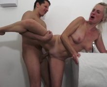 Dirty Tina – Wenn die Putzfrau zu früh kommt!